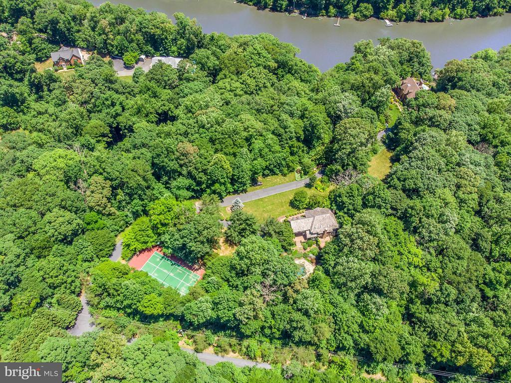190' Waterfront on the Occoquan River - 10637 AVONDALE DR, MANASSAS