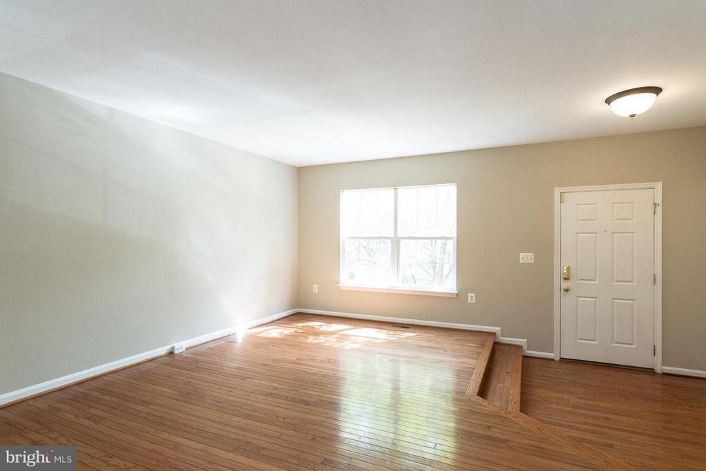 Living Room - 15612 PLAIN DEALING PL, MANASSAS