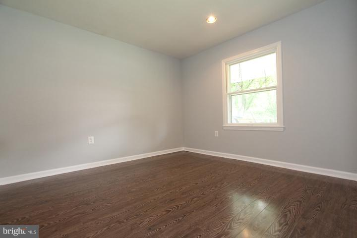 Bedroom #3 - 702 DICKENSON CT, STERLING