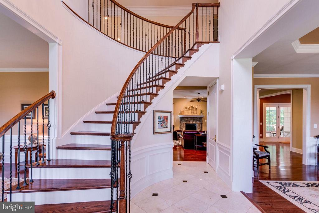 Grand Foyer - 20145 BLACK DIAMOND PL, ASHBURN