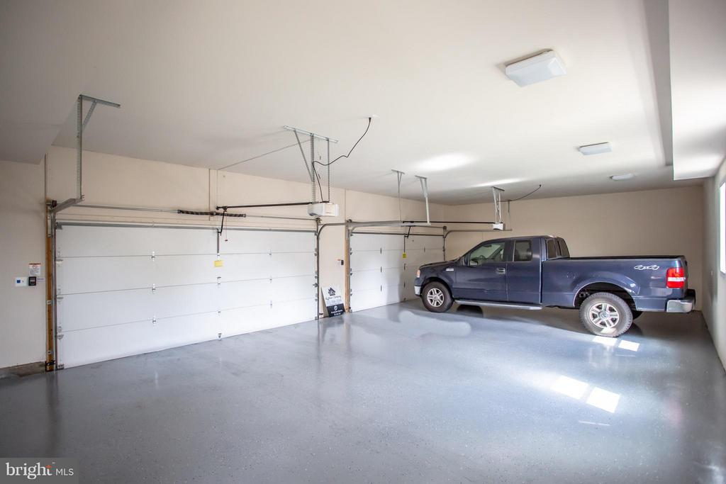 4 Car Garage - 8335 MOUNT VERNON HWY, ALEXANDRIA