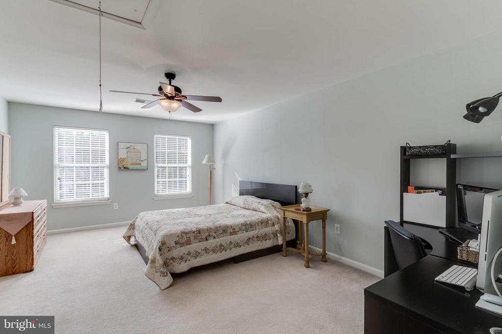 Second bedroom-all are large w/good closet space - 6412 TINKLING SPRINGS CT, MANASSAS