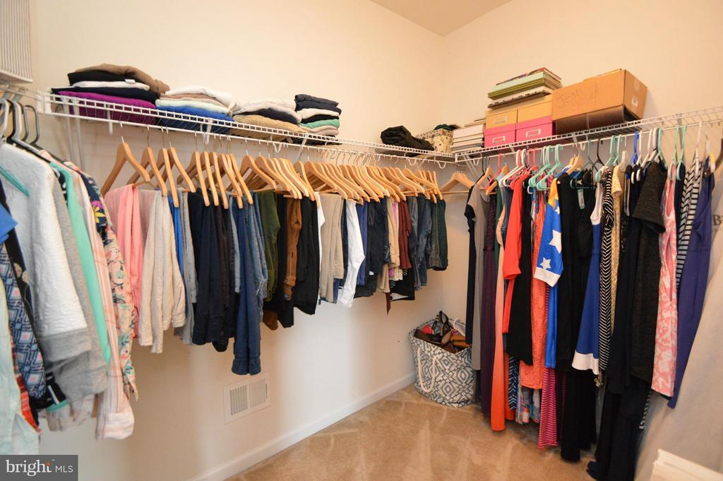 Master Walk In Closet #1 - 41688 MOORS MINE TER, ALDIE