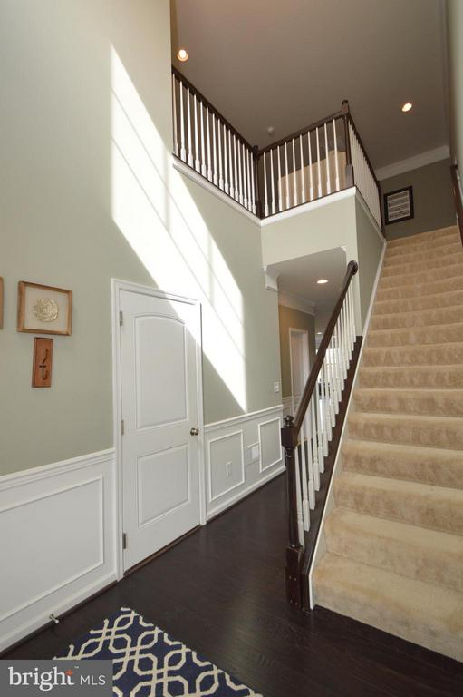 Two story foyer - 41688 MOORS MINE TER, ALDIE