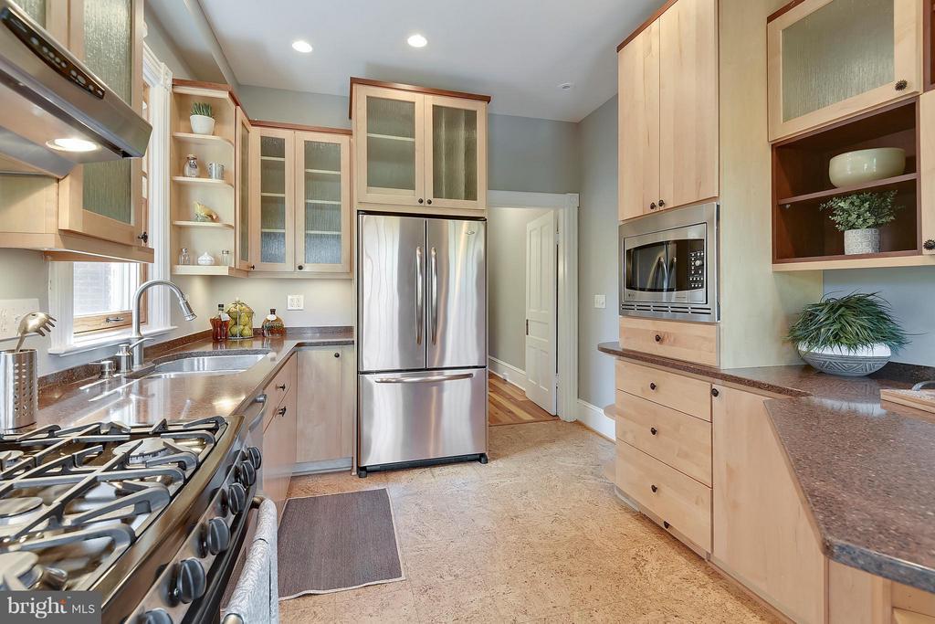 Kitchen - 215 5TH ST NE, WASHINGTON