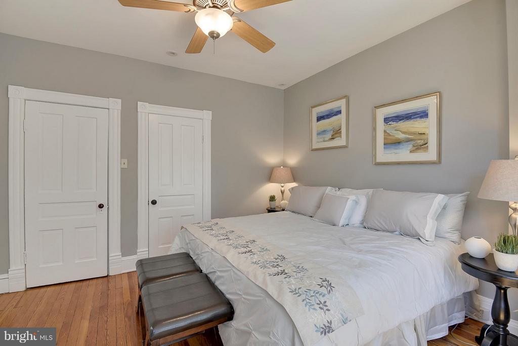 Bedroom (Master) - 215 5TH ST NE, WASHINGTON