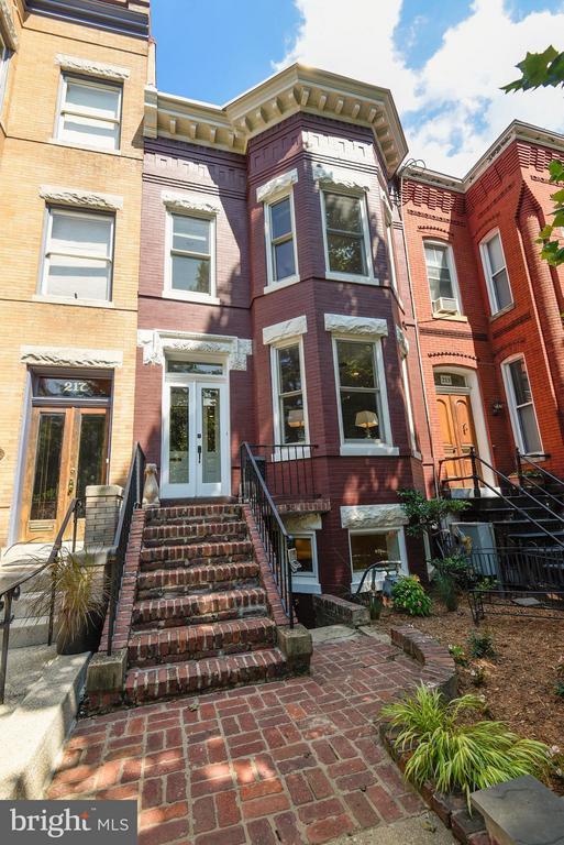 Exterior (Front) - 215 5TH ST NE, WASHINGTON