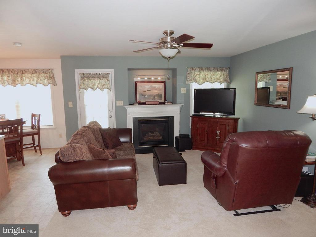 Family Room w/gas fireplace, updated flooring - 10123 SOUTH FULTON DR, FREDERICKSBURG