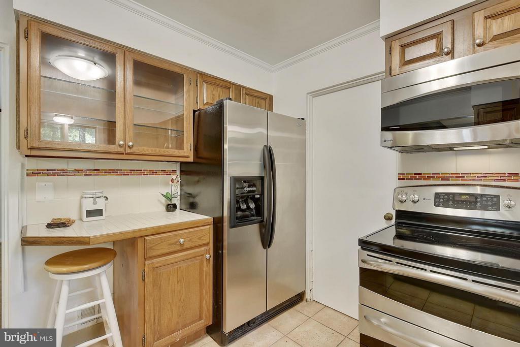 Kitchen - 5158 PIEDMONT PL, ANNANDALE