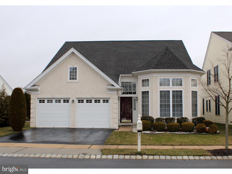 Частный односемейный дом для того Продажа на 51 EINSTEIN WAY East Windsor, Нью-Джерси 08512 Соединенные ШтатыВ/Около: East Windsor Township