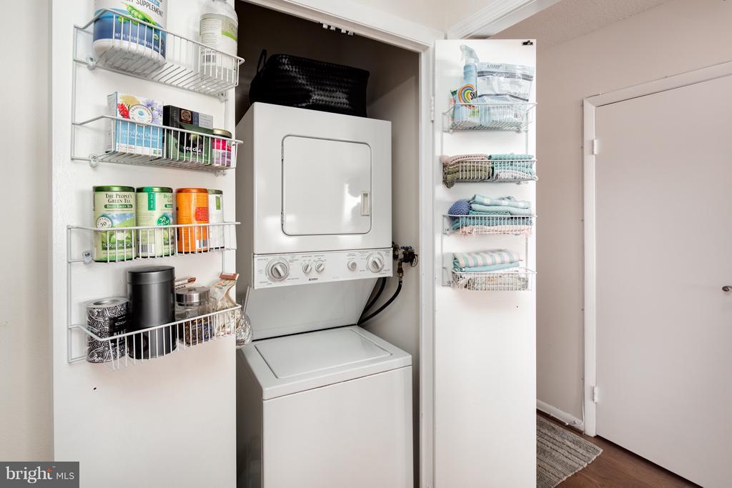In unit laundry - 400 MADISON ST #1505, ALEXANDRIA
