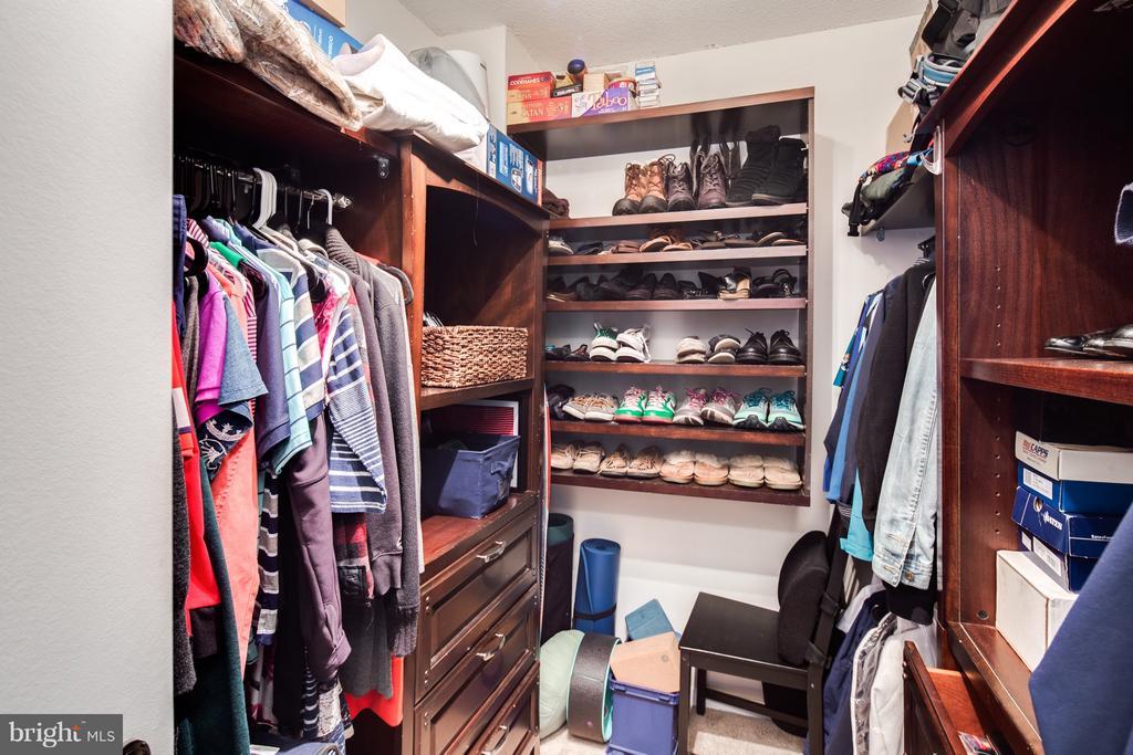 California style closet organizer - 400 MADISON ST #1505, ALEXANDRIA