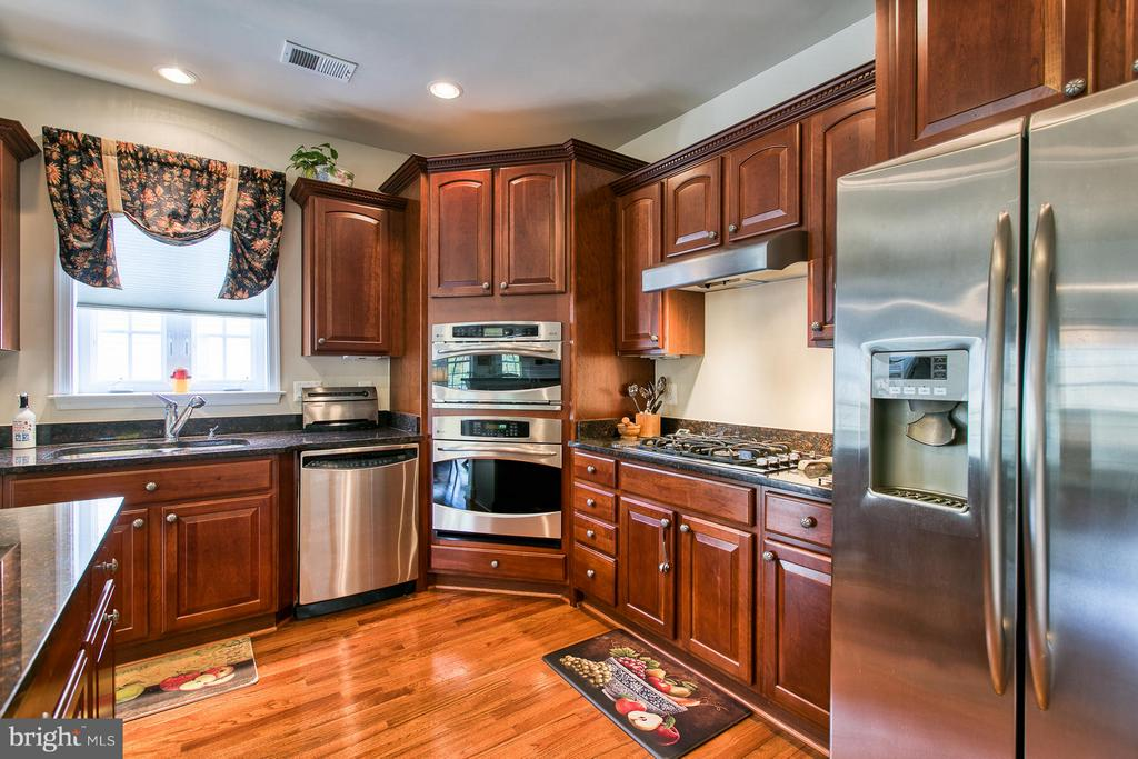 Excellent Kitchen Flow - 9791 BIG BETHEL CIR, FREDERICKSBURG