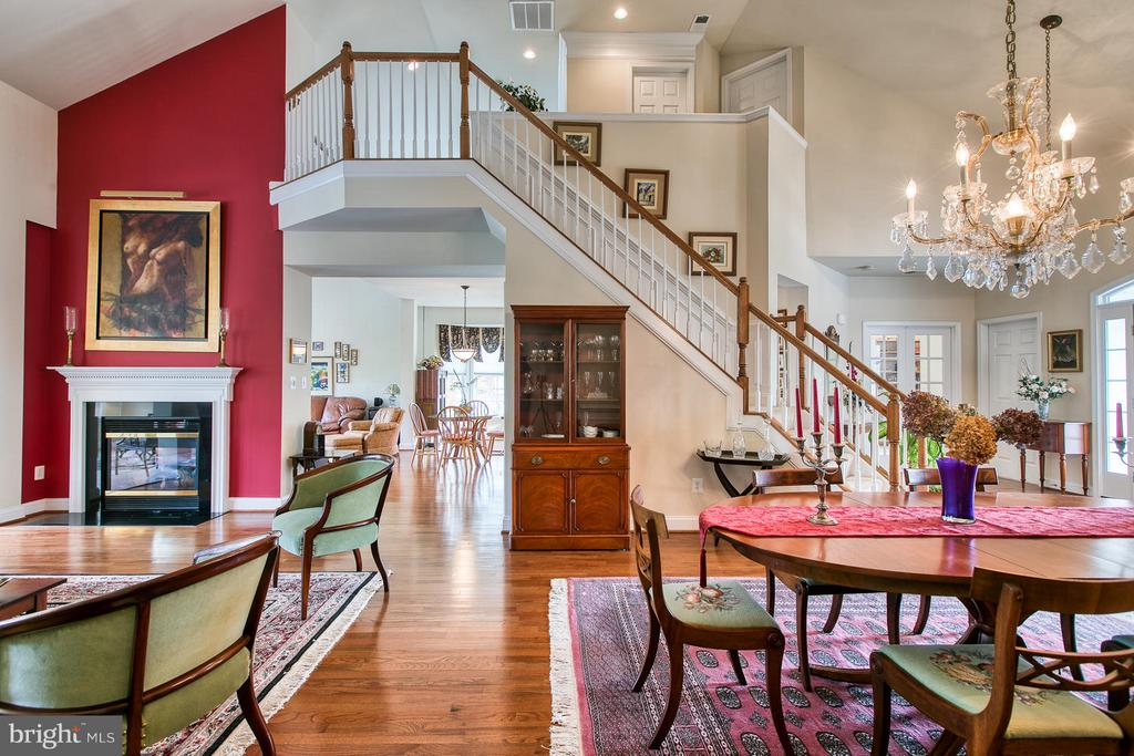 Open and Airy yet Warm and Welcoming - 9791 BIG BETHEL CIR, FREDERICKSBURG