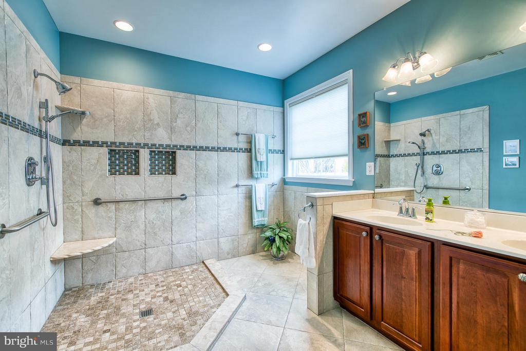 Master Bath - ah... Radiant Tile Floor Heating! - 9791 BIG BETHEL CIR, FREDERICKSBURG