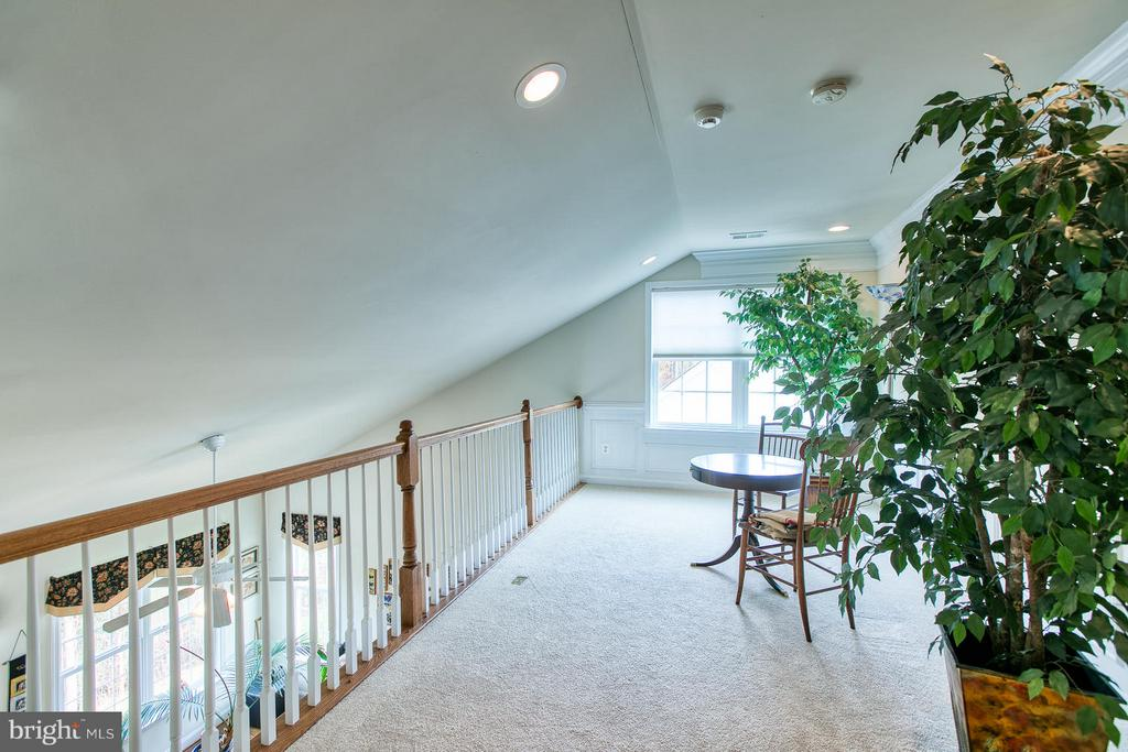 Loft overlooking Family Room and Formal Areas - 9791 BIG BETHEL CIR, FREDERICKSBURG