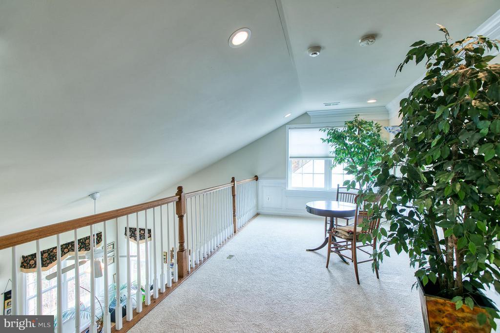 Loft overlooking Family Room and Formal Areas - 9791 BIG BETHEL CIR, FREDERICKSBURG