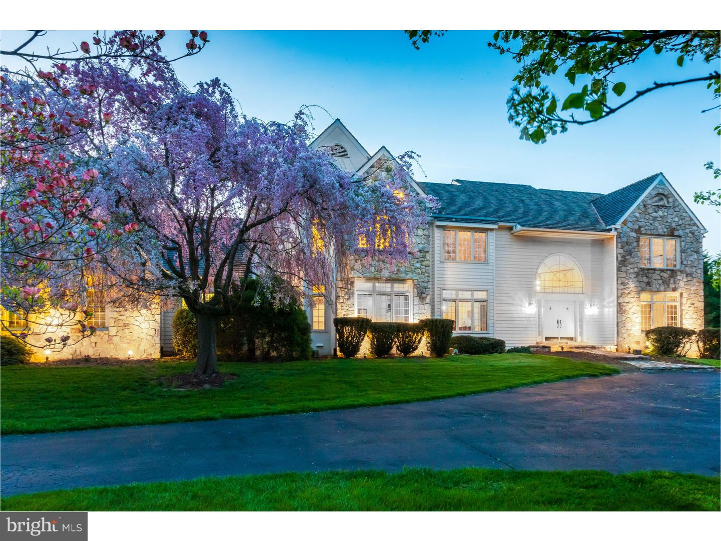 Photo of home for sale at 8 Clouds Way, Hockessin DE