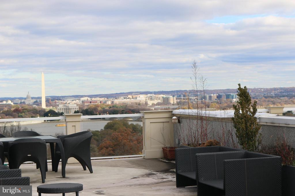 More breathtaking views from rooftop deck - 1405 N NASH ST, ARLINGTON