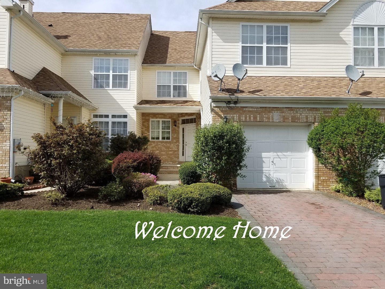 Частный односемейный дом для того Продажа на 23 TENNYSON Road East Windsor, Нью-Джерси 08520 Соединенные ШтатыВ/Около: East Windsor Township
