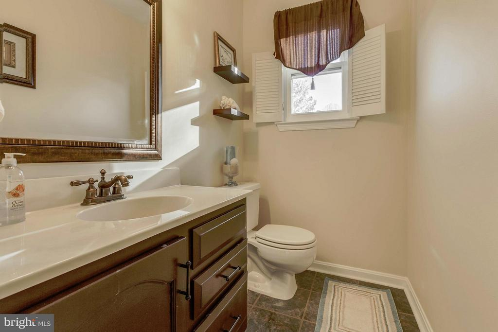 Powder Room - 13343 PELICAN RD, WOODBRIDGE