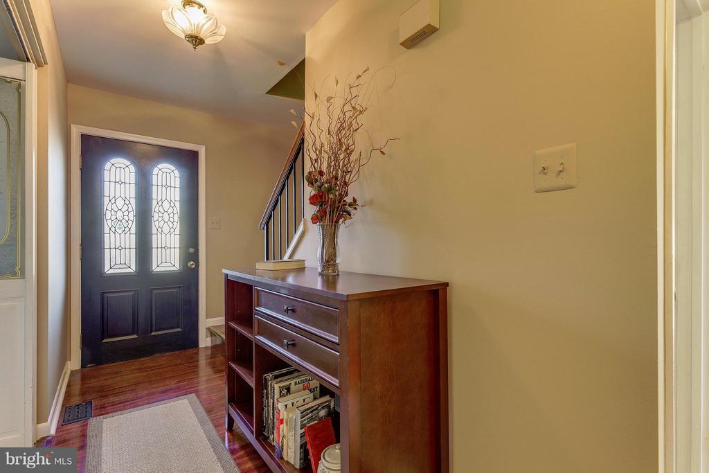 Foyer - 13343 PELICAN RD, WOODBRIDGE