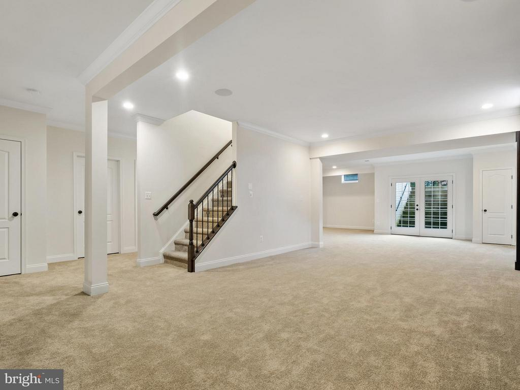 Basement keeps going to the left - 41433 AUTUMN SUN DR, ALDIE
