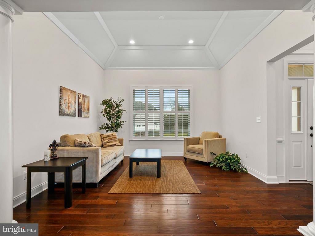 Formal Sitting Area Off Foyer - 41433 AUTUMN SUN DR, ALDIE