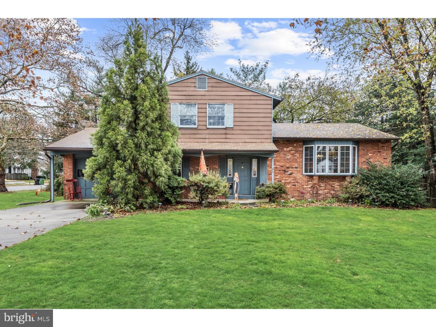 Single Family Home for Sale at 45 S WOODBURY Road Pitman, New Jersey 08071 United StatesMunicipality: Pitman