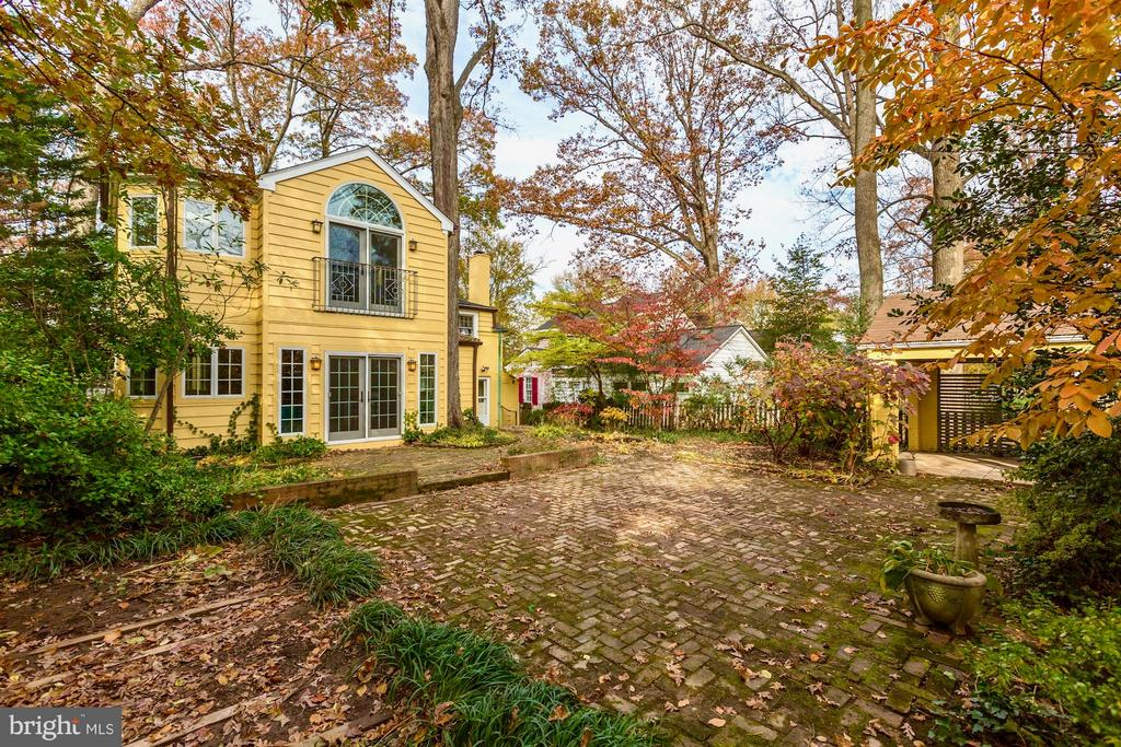 Rare in Chevy Chase:  a more than 7,000 sf lot - 6613 32ND ST NW, WASHINGTON