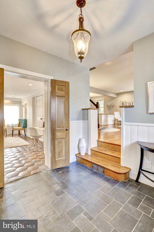 Original solid wood doors & classic light fixture - 6613 32ND ST NW, WASHINGTON