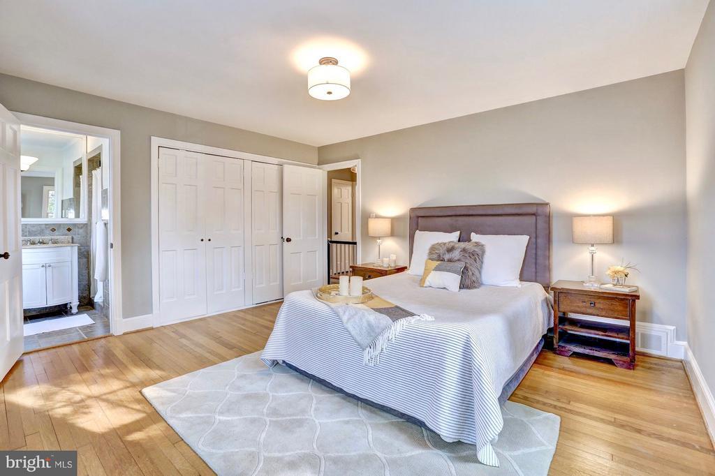 Oversized closets & two big windows - 6613 32ND ST NW, WASHINGTON