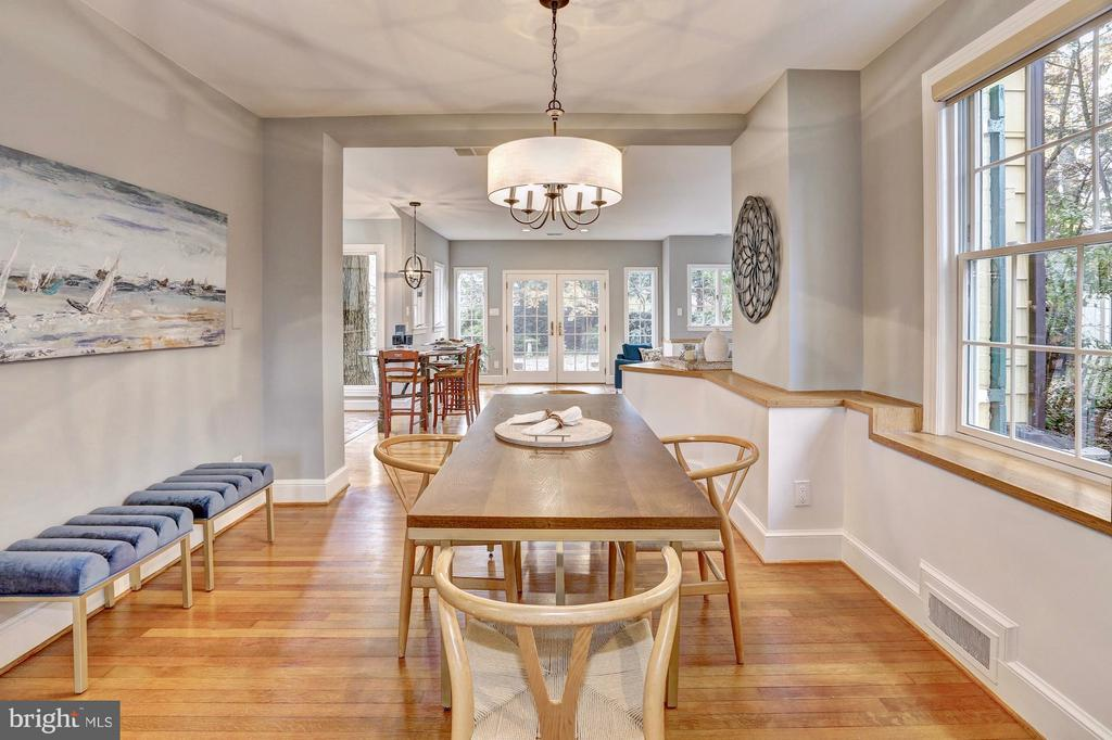 Light pours in to this open concept main level - 6613 32ND ST NW, WASHINGTON
