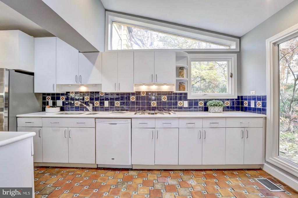 Custom backsplash and flooring - 6613 32ND ST NW, WASHINGTON