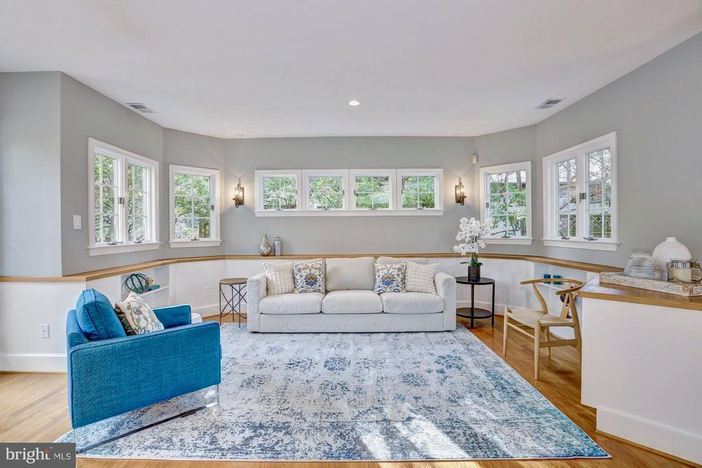 Family room has windows on all sides. - 6613 32ND ST NW, WASHINGTON