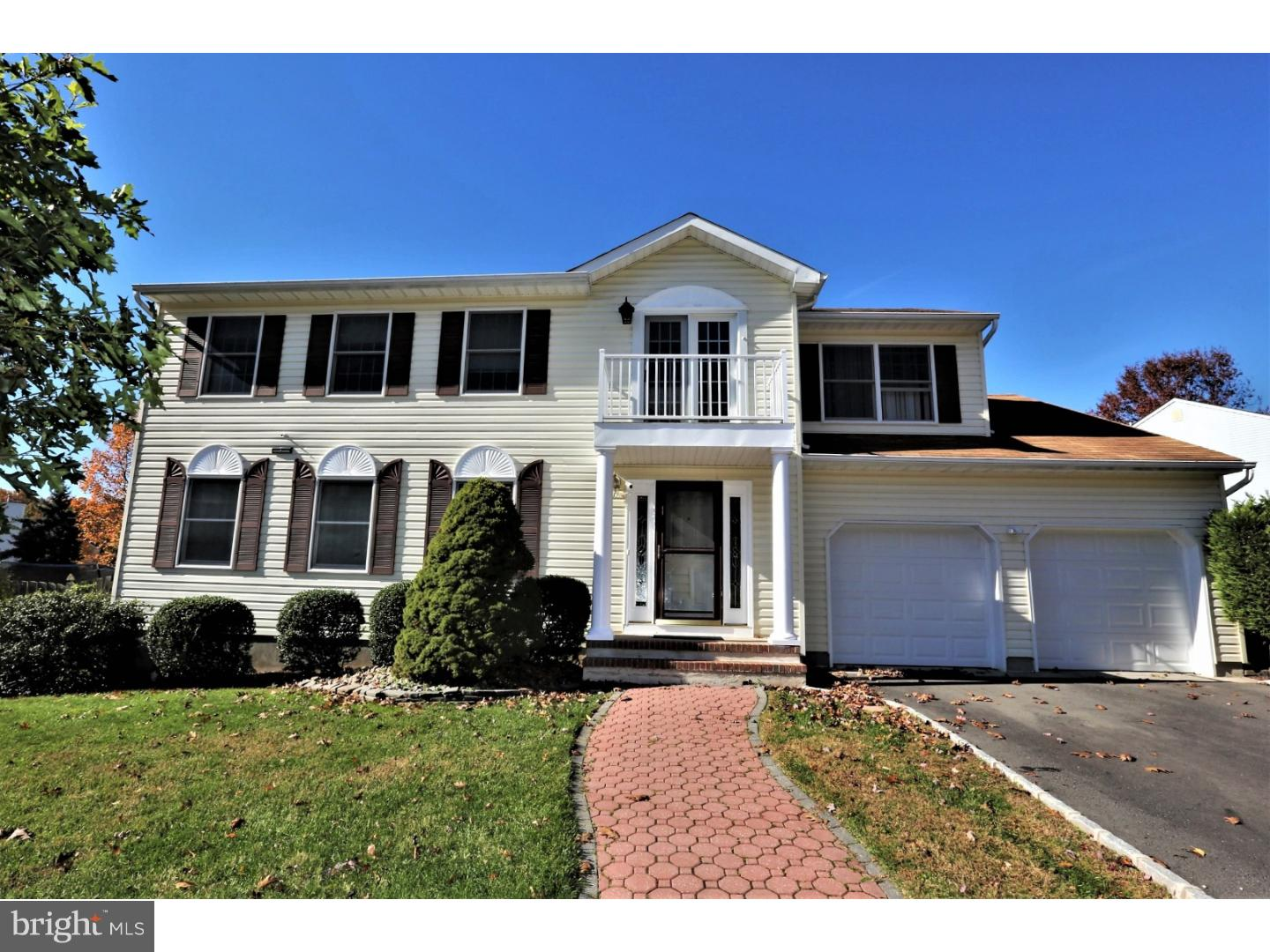 Single Family Home for Sale at 38 ESSEX Drive Monmouth Junction, New Jersey 08852 United StatesMunicipality: South Brunswick Township