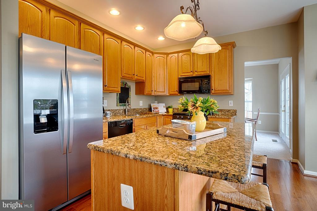 Updated kitchen with granite & SS appliances - 43189 CARDSTON PL, LEESBURG