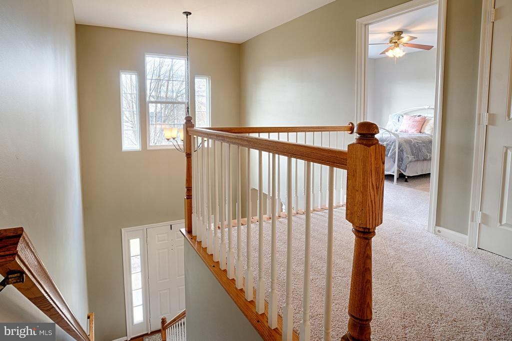 Upper Level Foyer and Landing - 43189 CARDSTON PL, LEESBURG