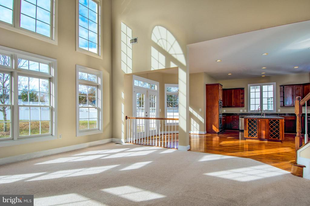 VIEW OF KITCHEN FROM FAMILY ROOM - 12282 TIDESWELL MILL CT, WOODBRIDGE