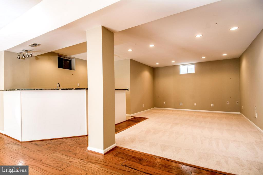 ANOTHER VIEW OF REC RM & WETBAR - 12282 TIDESWELL MILL CT, WOODBRIDGE