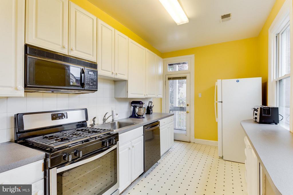 Kitchen (Unit 2) - 160 12TH ST SE, WASHINGTON