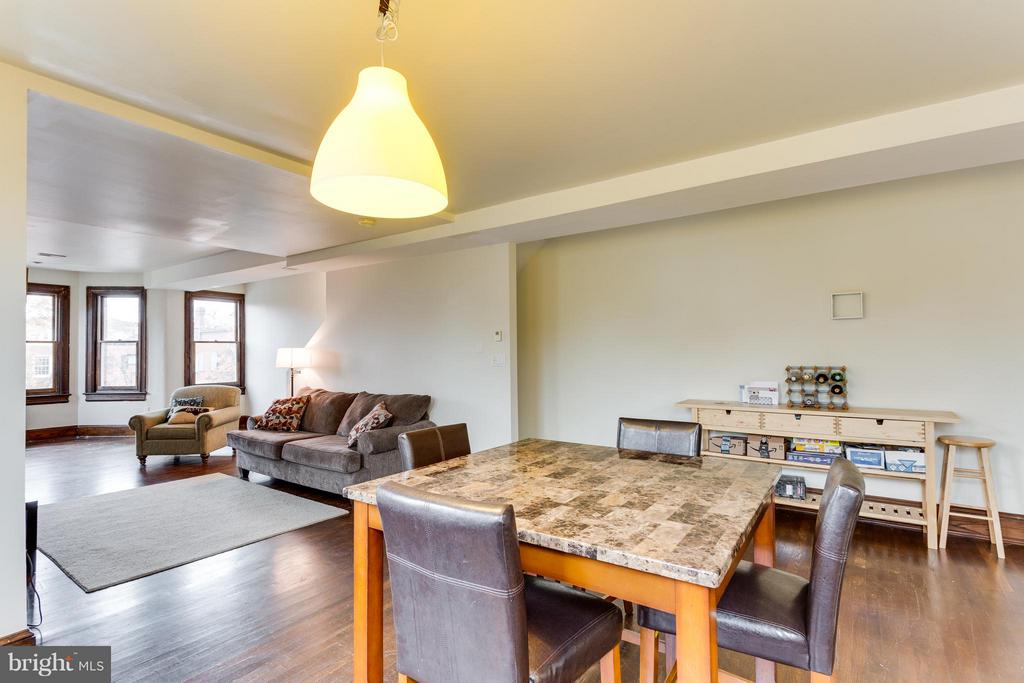 Dining room/family room (UNIT 2) - 160 12TH ST SE, WASHINGTON