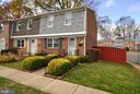 2800 Hogan Court - Spacious End Unit - 2800 HOGAN CT, FALLS CHURCH