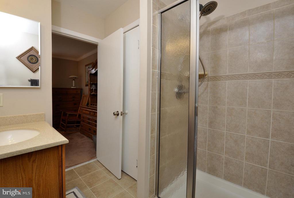 Master Bathroom - 2800 HOGAN CT, FALLS CHURCH