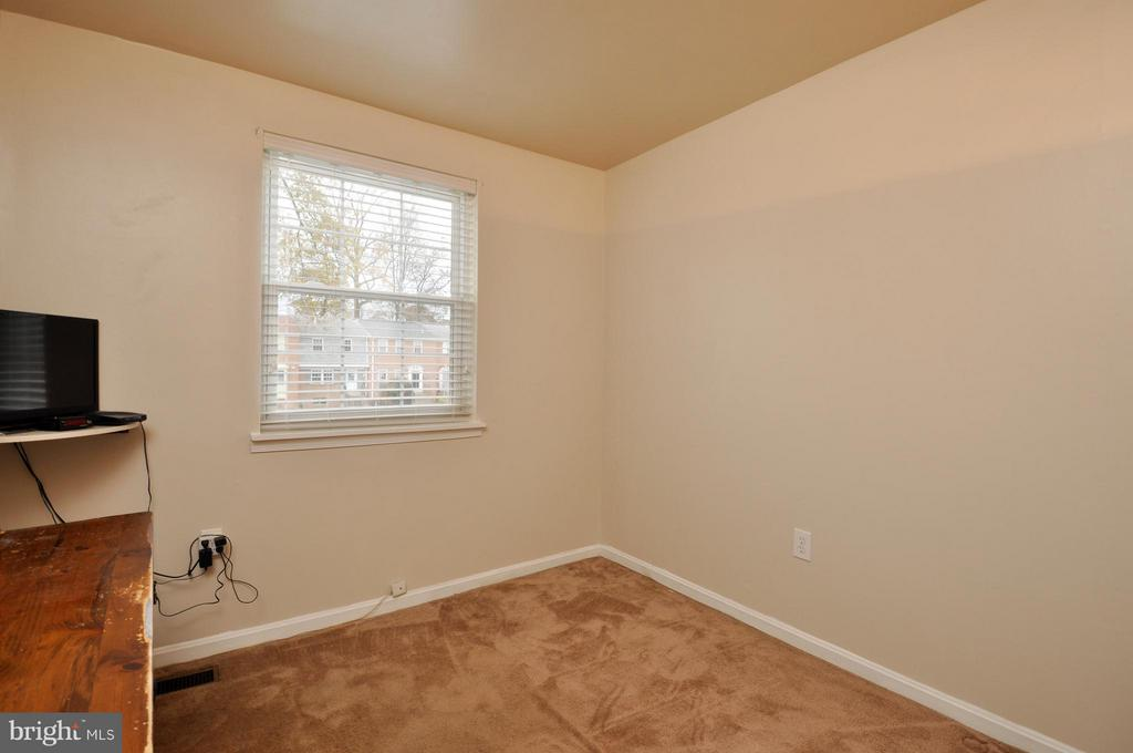 Upstairs Bedroom #3 - 2800 HOGAN CT, FALLS CHURCH