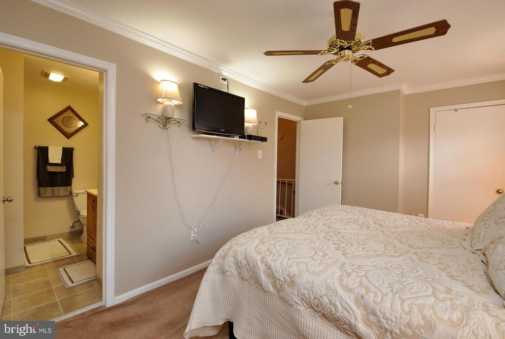 Master Bedroom - 2800 HOGAN CT, FALLS CHURCH