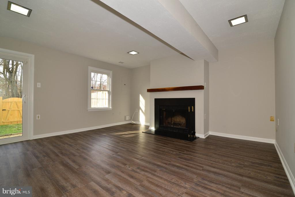 Walk Out Basement! - 11924 GLEN ALDEN RD, FAIRFAX