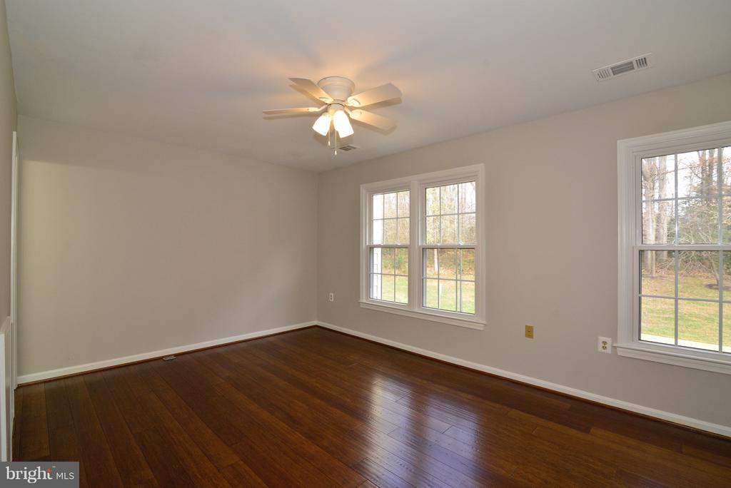 Hardwoods through Upper Level too! - 11924 GLEN ALDEN RD, FAIRFAX