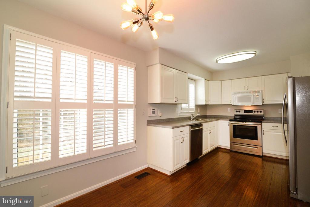 Plantation Shutters - 11924 GLEN ALDEN RD, FAIRFAX