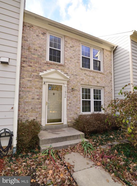 Welcome Home! - 11924 GLEN ALDEN RD, FAIRFAX